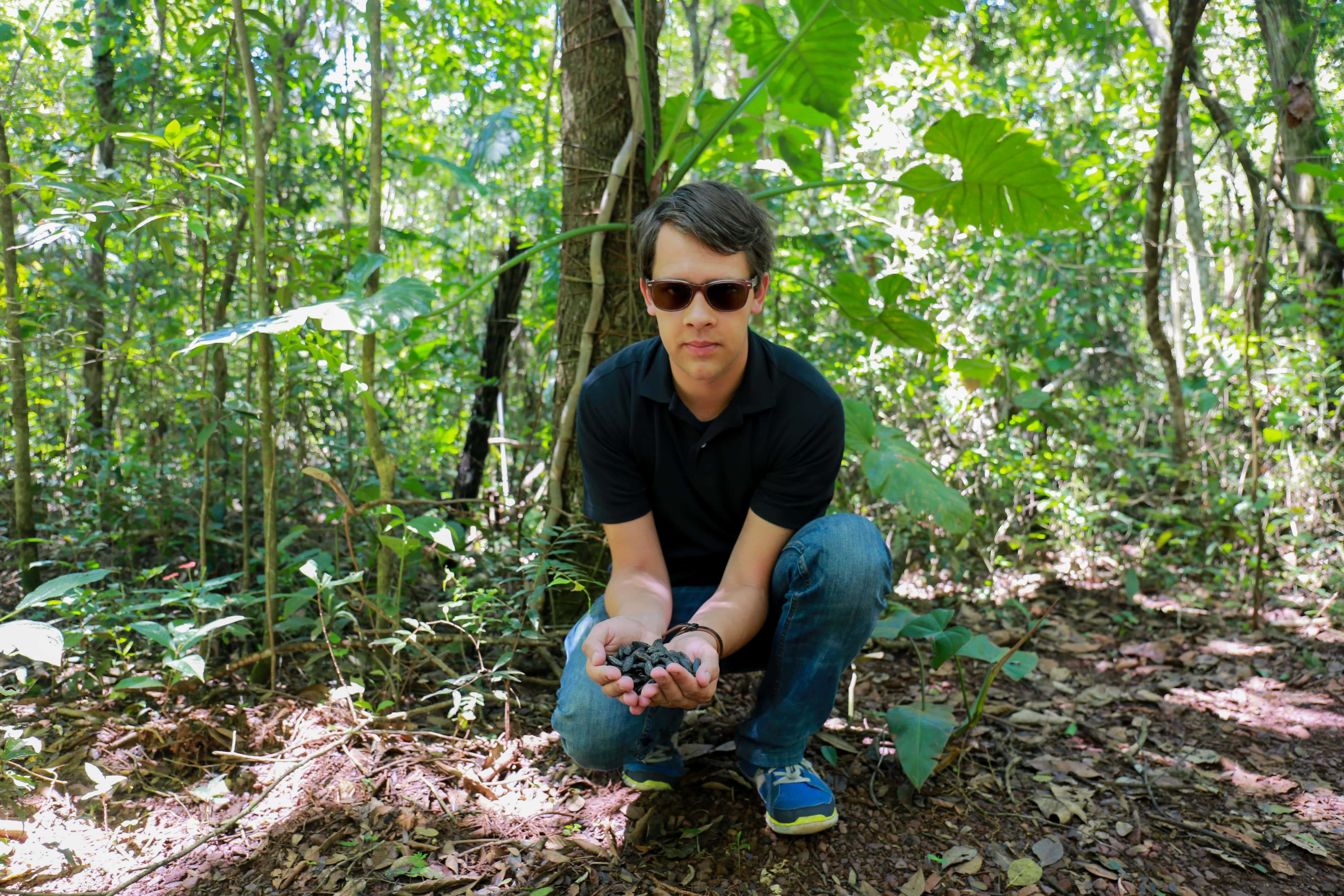 Arnaud Sion, Créateur du Comptoir de Toamasina, Achat Fève Tonka Brésil