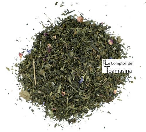 Green summer tea with lychee, lavender and violet is ideal for the afternoons.